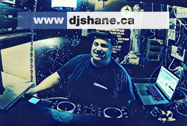 DJ Shane Oliveira Annies sur le lac